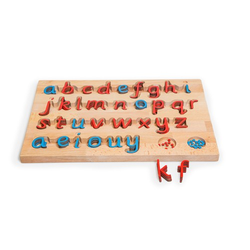 Montessori Sassoon SMA in red with blue vowels