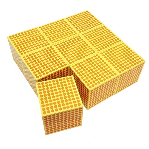 Montessori 9 wooden thousand cubes
